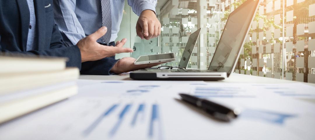 Economistas ponen en duda que Dujovne logre cerrar el año con déficit cero